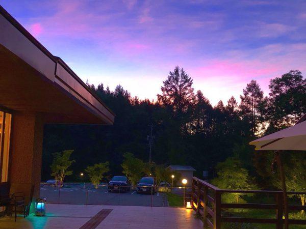 アイキャッチ用_龍リゾート&スパ_綺麗な夕焼け